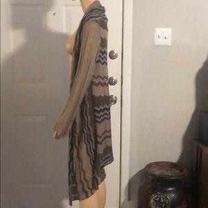 Light weight cardigan size medium.